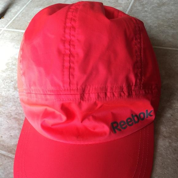 Women s Reebok Reflective Running Cap. M 5abe7ad56bf5a673dece1d99 8d1f182c56
